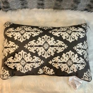 "Throw Pillow Kensingston Gardens 16""x24"